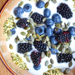 Coconut Vegan Yoghurt, Hemp, Blackberries, Blueberries, Pumpkin Seeds, Hemp